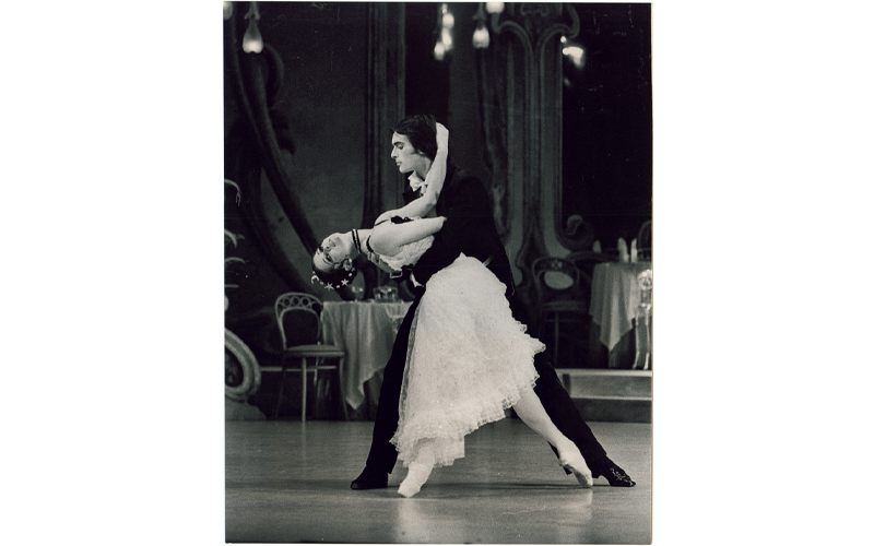 Marilyn Rowe and John Meehan in The Merry Widow