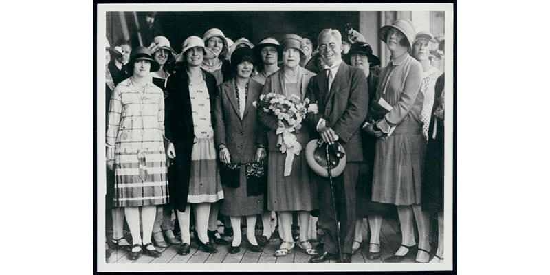 Dame Nellie Melba (fourth from left), Fritz Hart and students from Albert Street Conservatorium, Melbourne, 1927.
