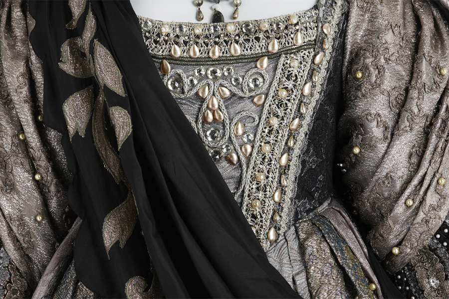 Grand: The costumes of Dame Joan Sutherland