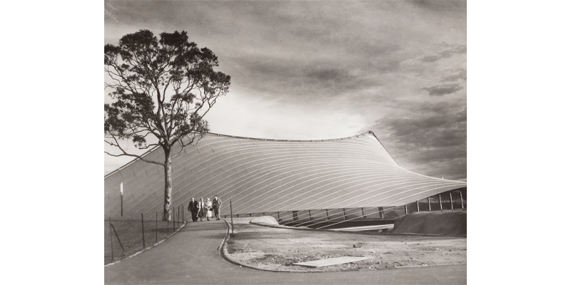 Wolfgang Sievers photographed the sweeping lines of the almost-finished canopy